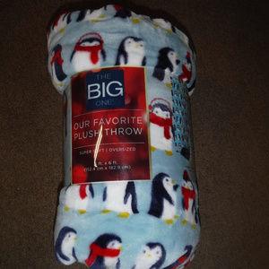 New The Big One Winter Penguin Fleece Blanket